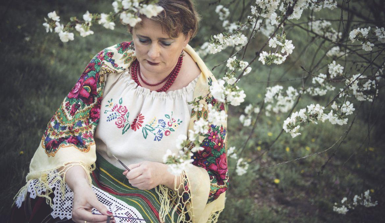 Koronkowa robota – Anna Karwacka-Kosińska